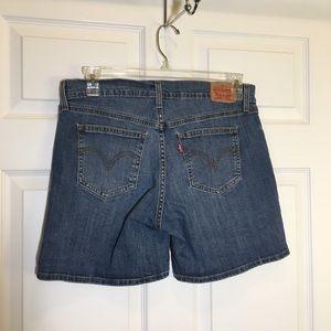 Levi's Shorts - Levi's Cuffable Denim Shorts size 31